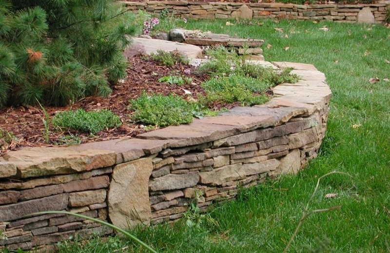 Advantages of Hiring a Build Company for Retaining Walls
